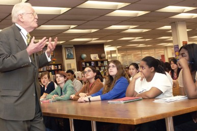 History professor Robert Remini visits Whitney Young High School