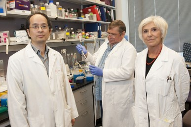 Giuseppina Nucifora, professor of hematology and oncology (right) in her lab.