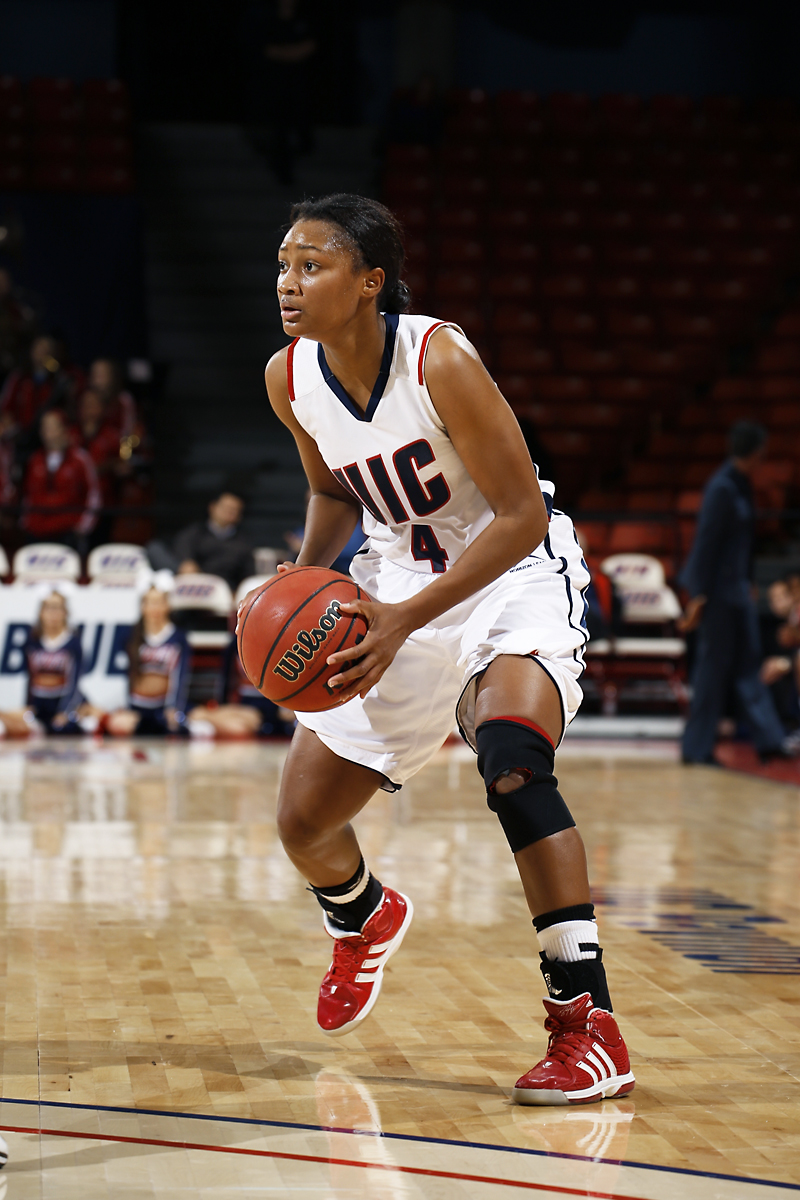 Women's basketball rallies to victory against Idaho State ...