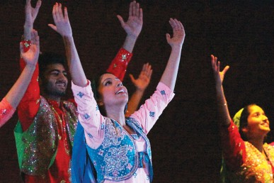 UIC Bhangra dancers performing