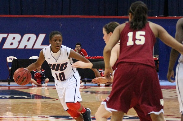 Terri Bender, UIC women's basketball vs Denver
