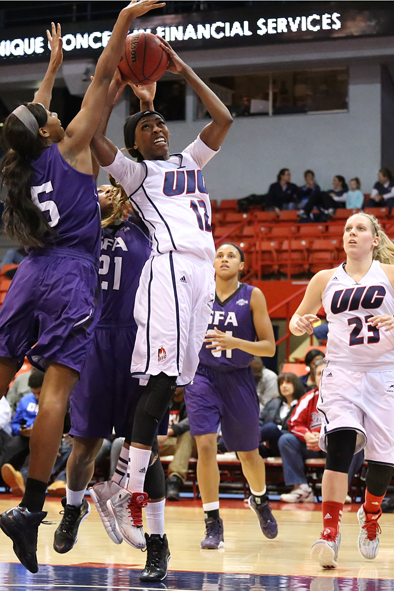 UIC women's basketball wins WBI title