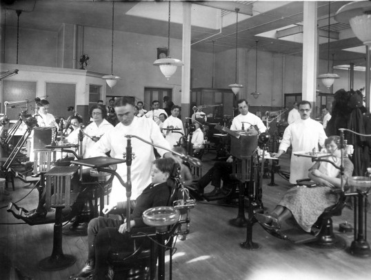 Patients at the dentistry clinic in the 1920s