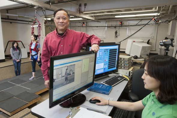 Clive Pai, professor of physical therapy, studies falling