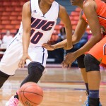 Terri Bender vs Detroit, UIC Flames women's basketball, UIC Pavilion