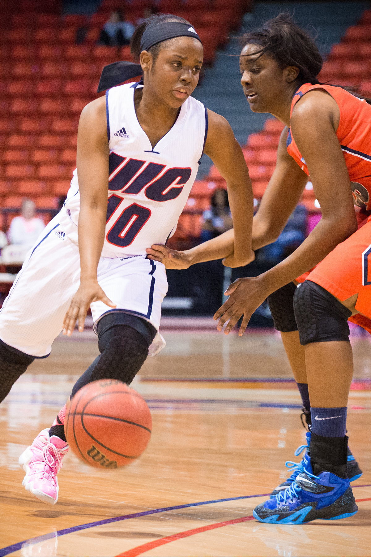 Women's basketball hot on boards | UIC Today