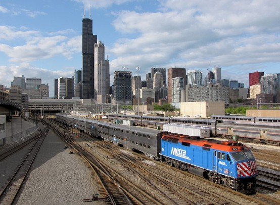 Metra_Train_in_Chicago