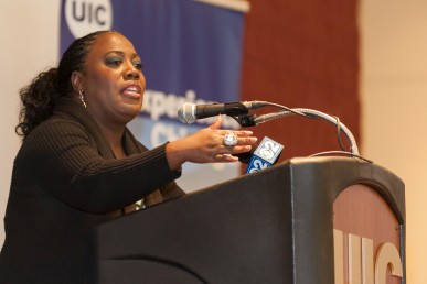 """9/9/15 Sheryl Underwood, comedian, UIC graduate and host of """"The Talk"""" CBS daytime show, visited campus and spoke to students."""
