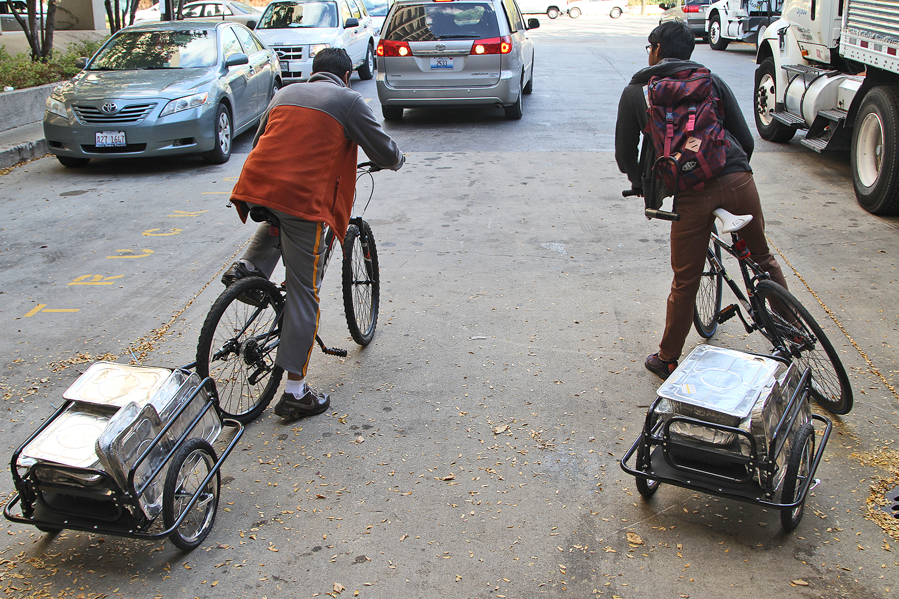 UIC biking club makes weekly food delivery to homeless ...