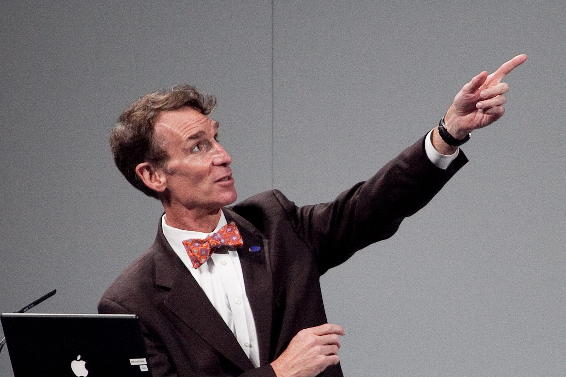 Bill Nye Brings Science To Uic Forum on Physics Lab Safety Rules