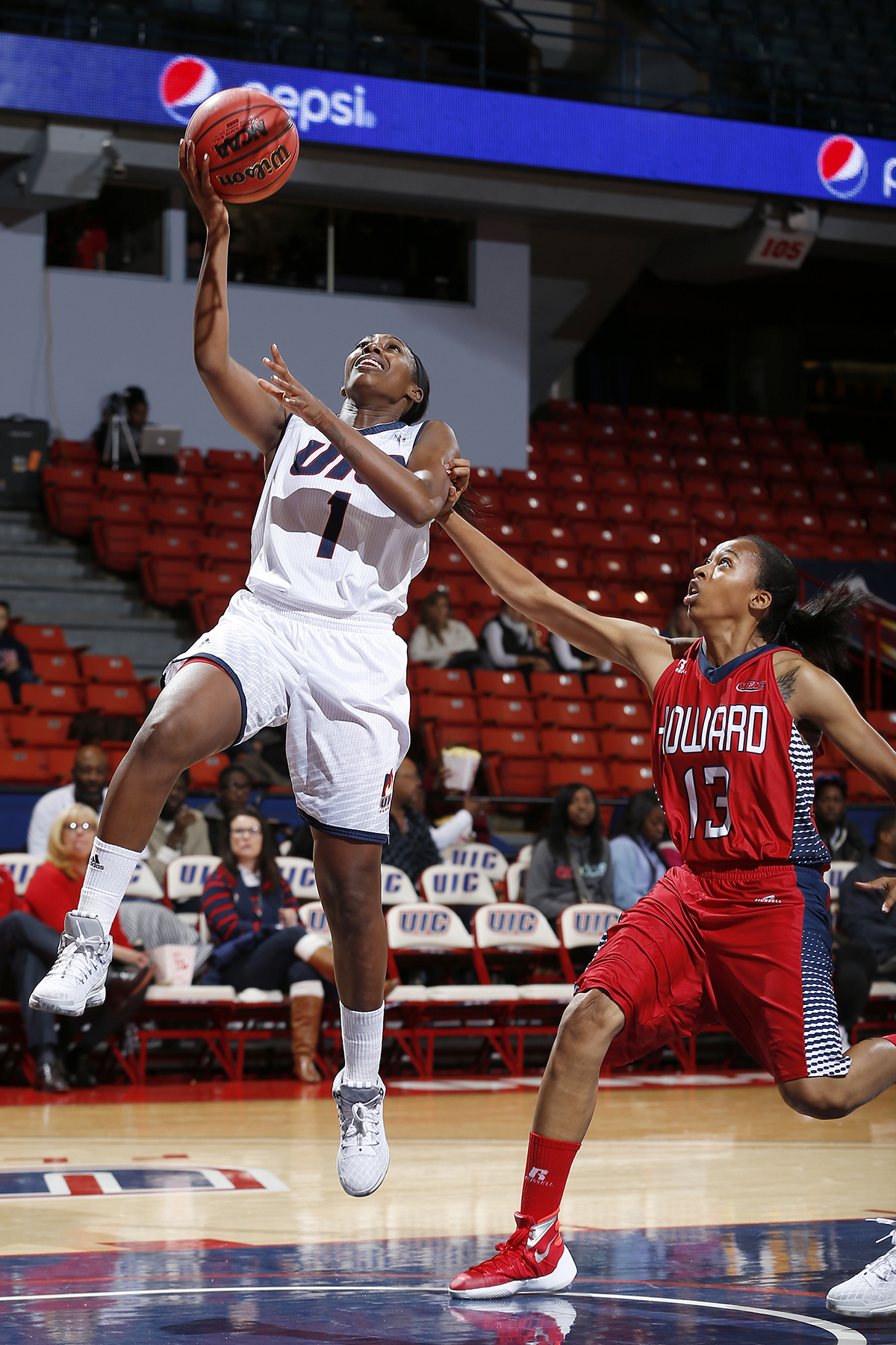 UIC women's basketball opens with up-tempo win over Howard ...