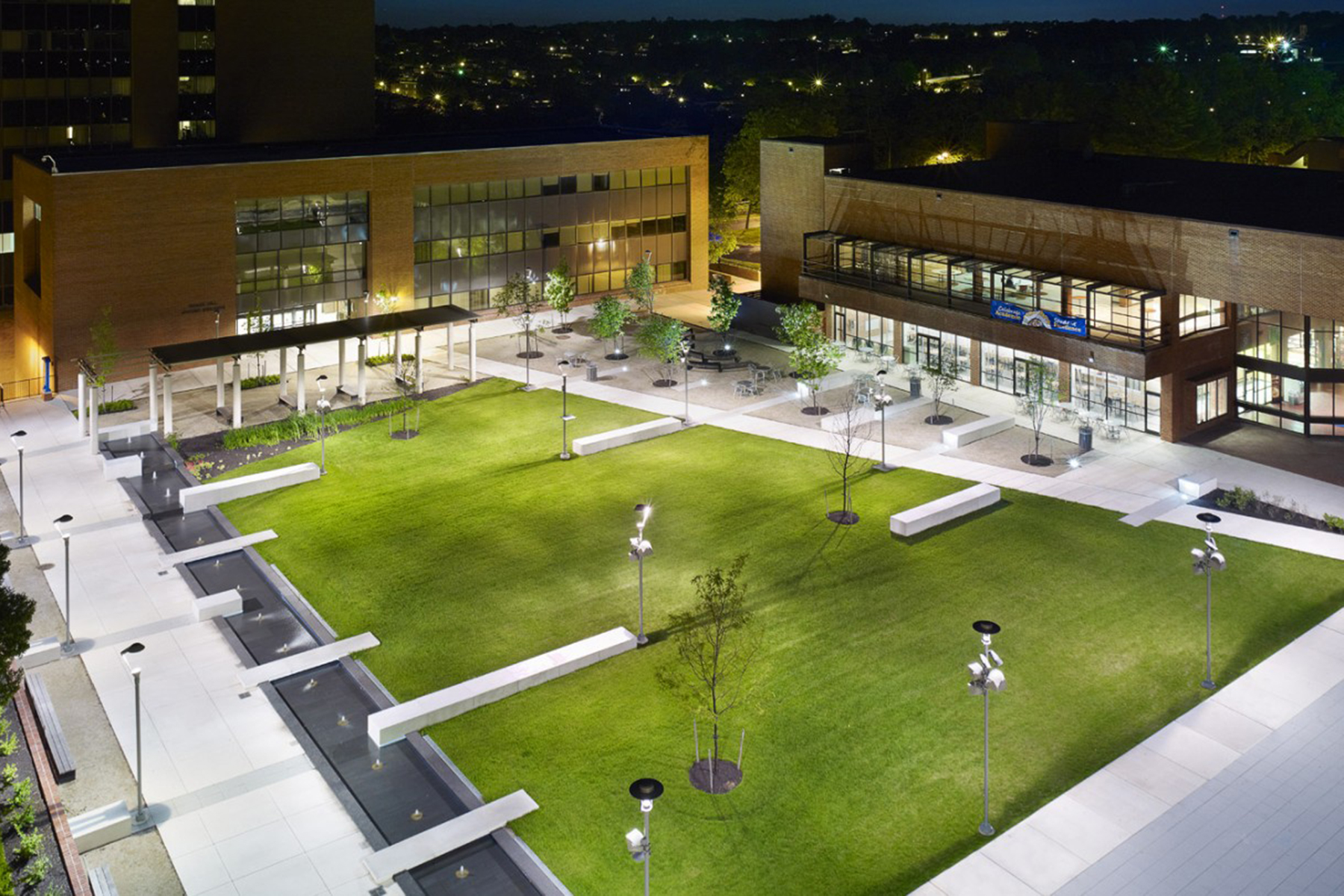 http://news.uic.edu/files/2015/12/landscaped-quad.jpg