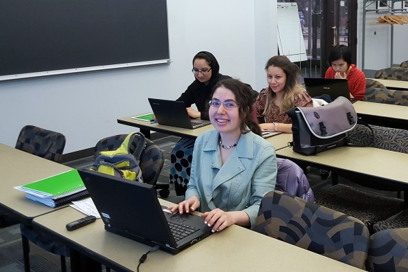 UIC students update Wikipedia pages during a WISE WIKI event