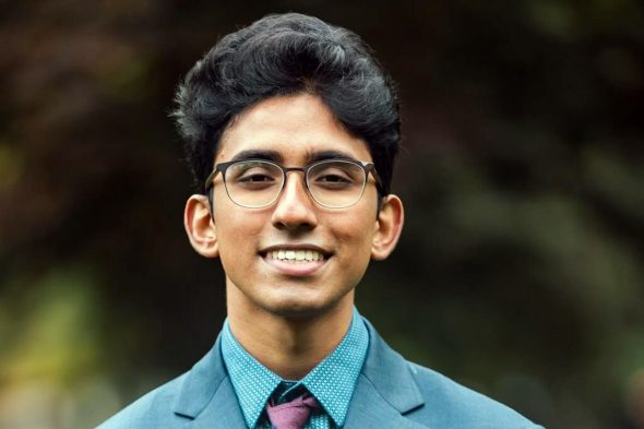 Wasan Kumar, a third-year UIC Honors College student majoring in neuroscience and minoring in Global Asian studies.