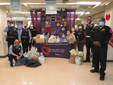 UIC Police demonstrate support for the community